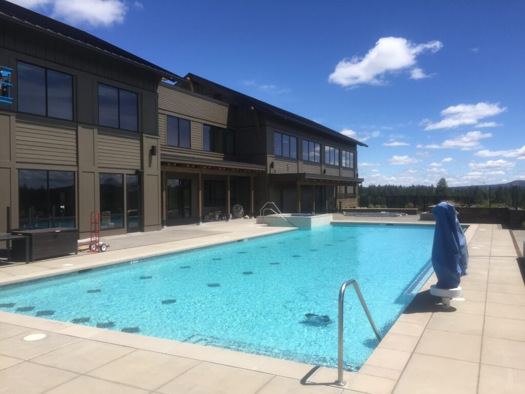 Neighborhoods in Bend OR: Tetherow Resort's new sports facility & pool