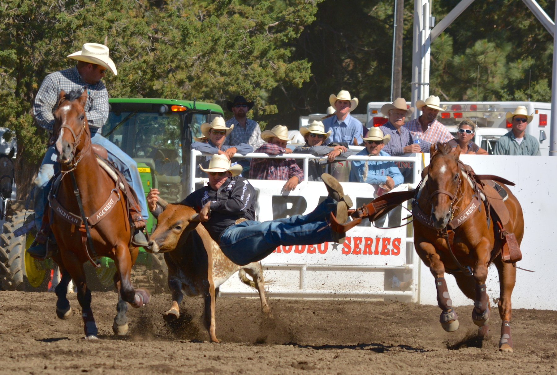 Sisters Rodeo Slack Day action